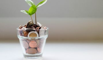 25 Practical Tips on Saving Money in 2020